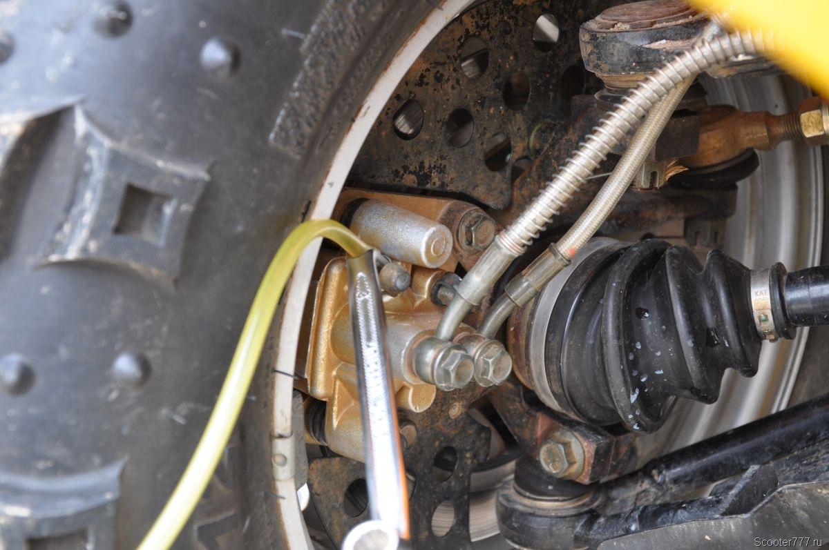 прокачка тормозов с помощью автомобильного компрессора