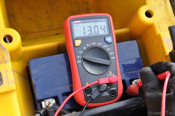 Напряжение на заряженном аккумуляторе