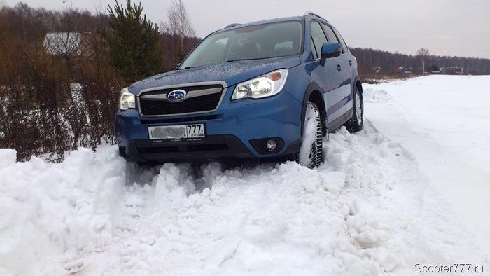 Subaru Forester в снегу