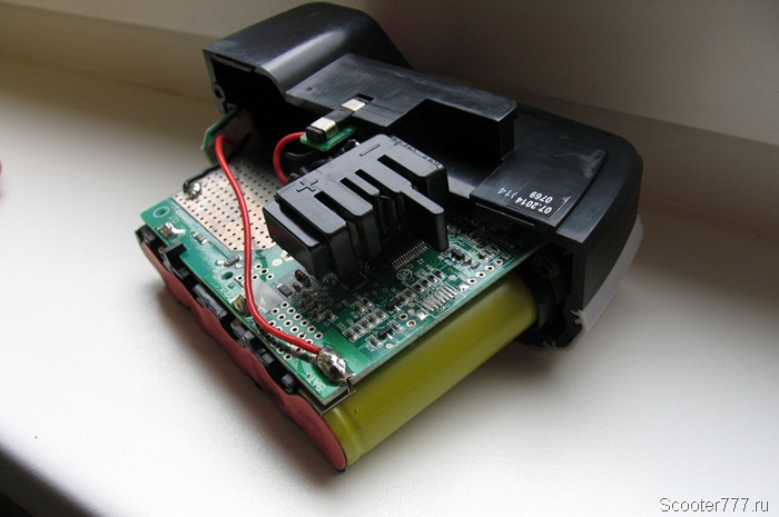 Электроника внутри батареи