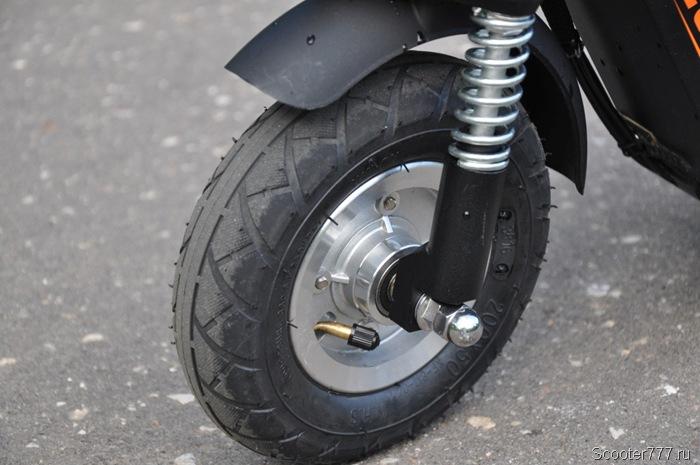 Переднее колесо