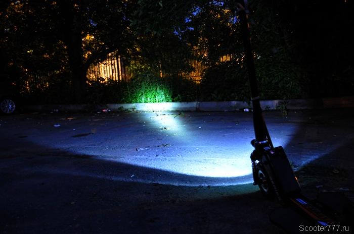 Так светит ночью Airwheel Z5
