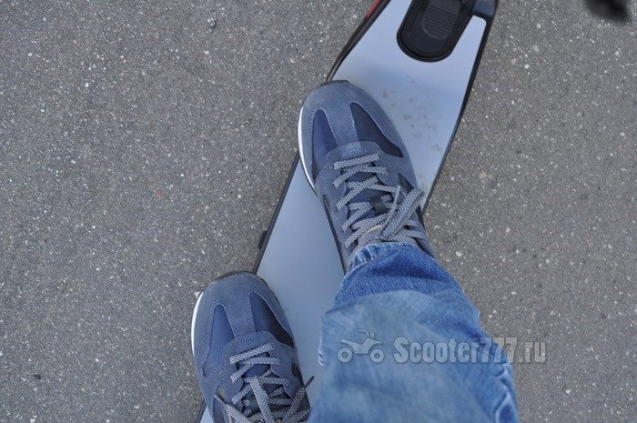 Стойка на деке Ninebot KickScooter