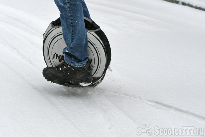 На колесе по снегу