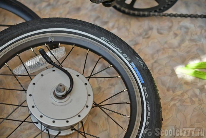 Покрышка надета на колесо