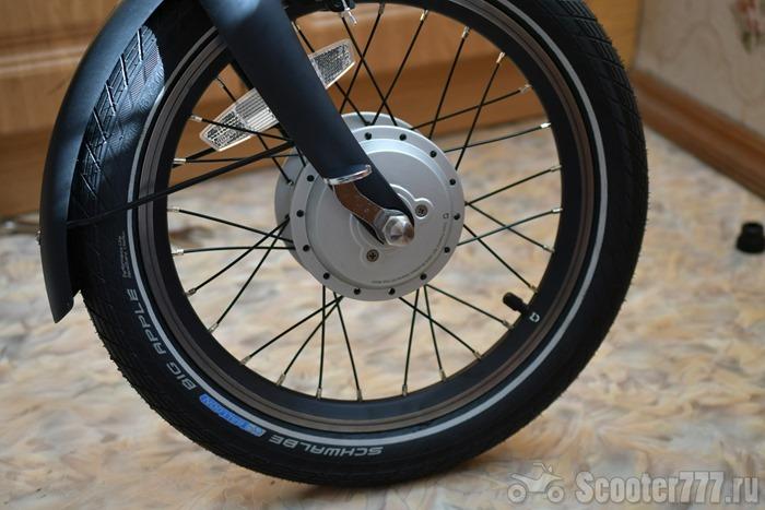 Переднее колесо на месте