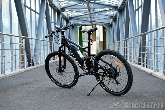 Велосипед в переходе